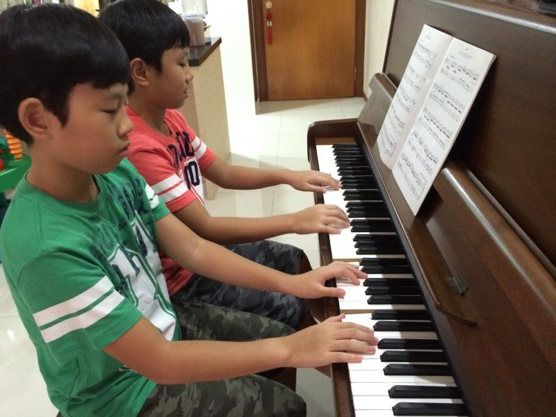 Music Degree, NIE-trained, experienced piano teacher
